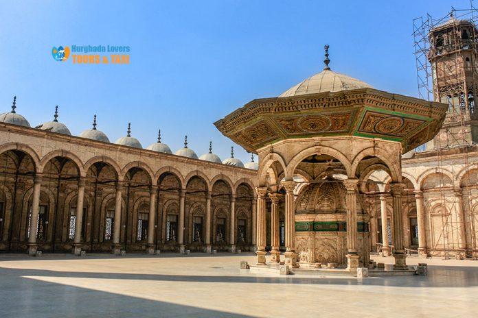 قلعة صلاح الدين الأيوبي بالقاهرة من الداخل وتاريخ انشاء كافة